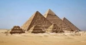 Les pyramides de Giseh en Egypte